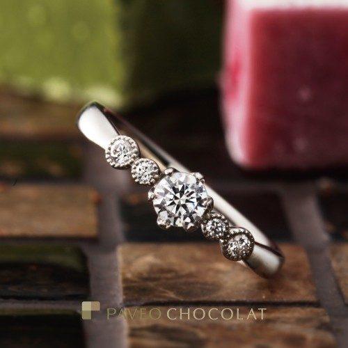 パヴェオショコラの婚約指輪でバルーン