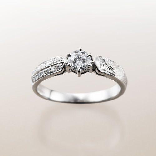 ハワイアンジュエリーのMakanaマカナの婚約指輪でME-3Pt