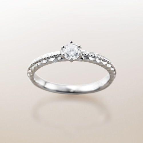 ハワイアンジュエリーのMakanaマカナの婚約指輪でME-4のプラチナ