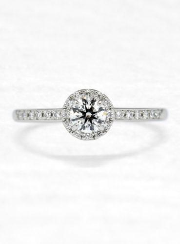 ひなの婚約指輪で飛沫の上面