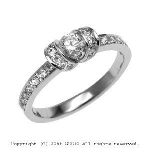 gardenオリジナルの婚約指輪でQ1829_020