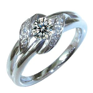 gardenオリジナルの婚約指輪でQ2178_020