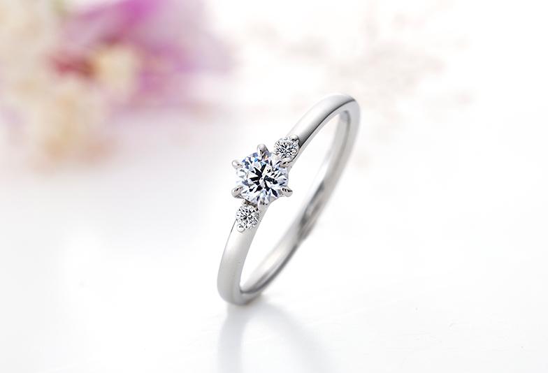 シンプルでキュートな婚約指輪