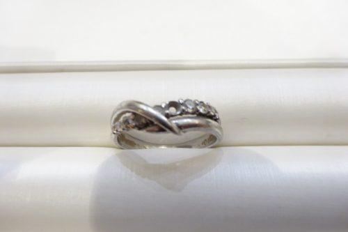 指輪の石どれ修理の相談
