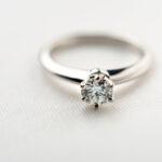 【和歌山・泉州】立て爪の婚約指輪を流行のデザインにリフォームしませんか?