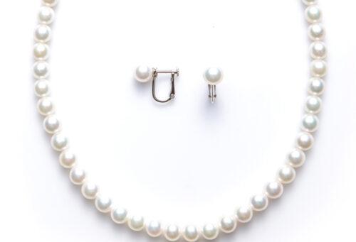貝塚市の真珠ネックレス糸替え