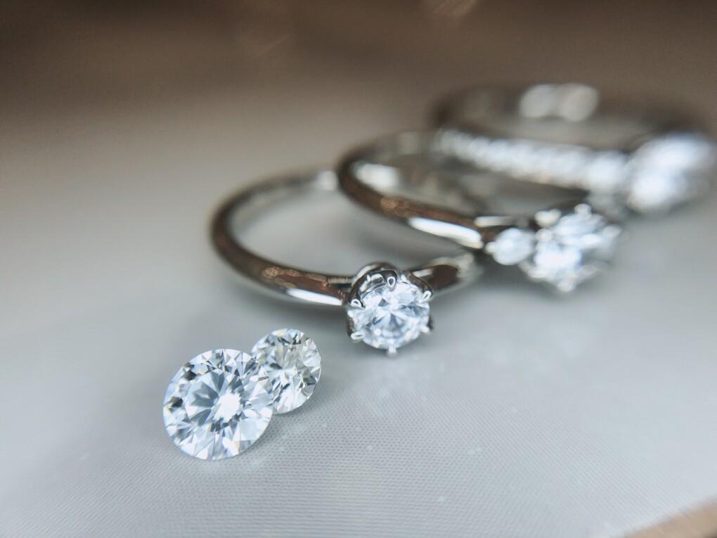 婚約指輪の主役はダイヤモンド
