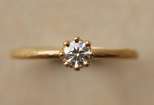 婚約指輪ゴールド
