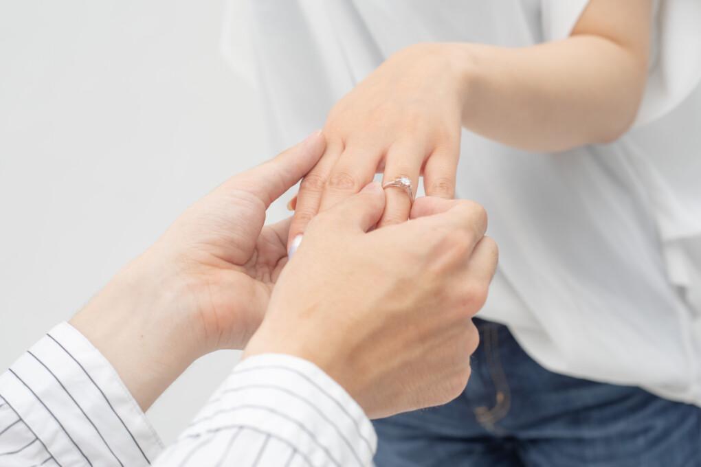 婚約指輪 安い