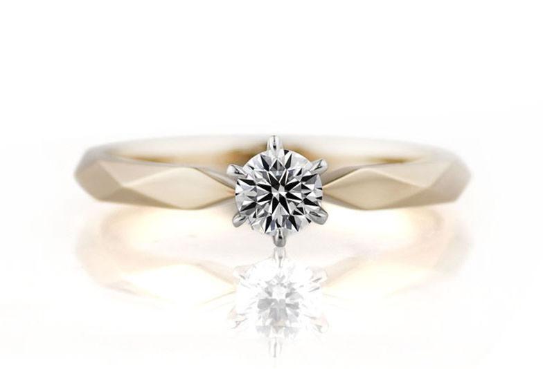 プレミアムホワイトゴールドの婚約指輪