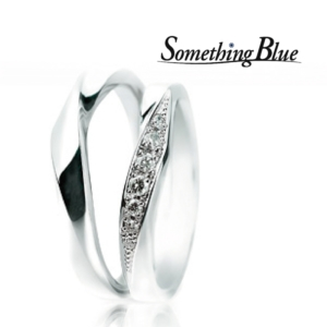 Something Blueの結婚指輪でWrap Heart