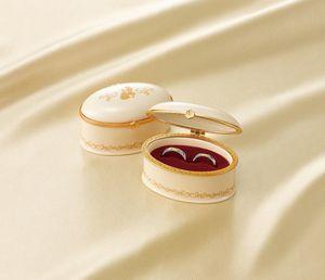 和歌山美女と野獣結婚指輪