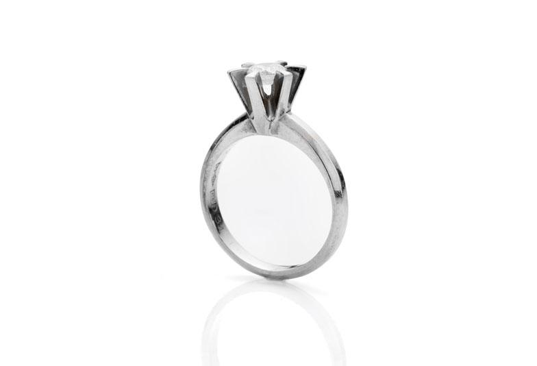 祖母の婚約指輪