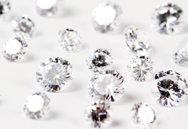 結婚指輪 ハーフエタニティリング ダイヤモンド