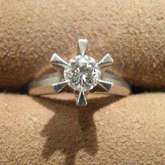 和歌山市で婚約指輪のジュエリーリフォーム