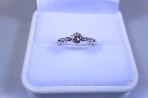 和歌山で立て爪の婚約指輪リフォーム