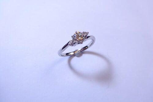 泉州で立て爪の婚約指輪リフォーム